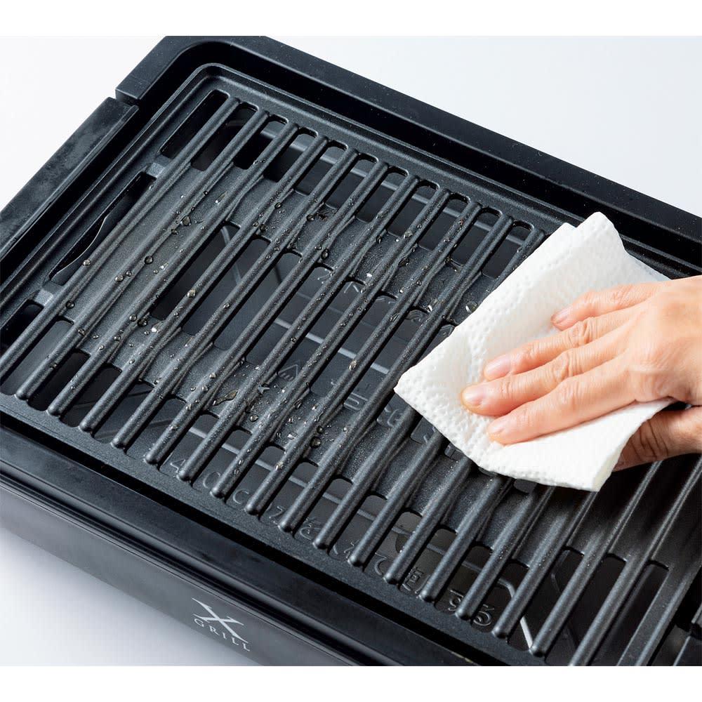 煙と油ハネを抑える!減煙焼き肉グリル「X グリル」 プレートは丸洗い不可。布巾などで油汚れを拭きとってご使用ください。