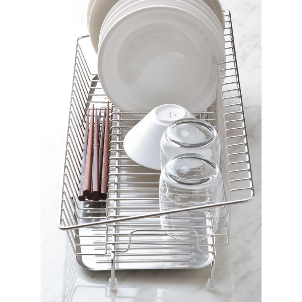 幅18cmに置ける ステンレススリム水切り 箸などを置ける小物スペース。