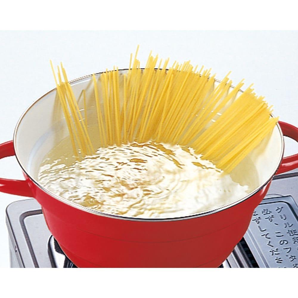 富士ホーローオールインワン万能鍋27cm ステンレス製スノコ付き パスタも茹でられる万能鍋です。