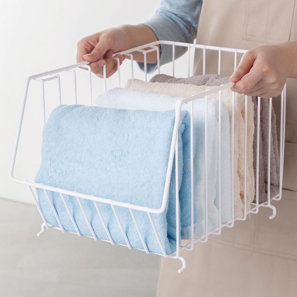 スタッキングバスケット 4個組 取り外して持ち運べる。脱衣所の小物にも、雑誌や新聞の収納にも。クローゼット内の整理にも活躍。