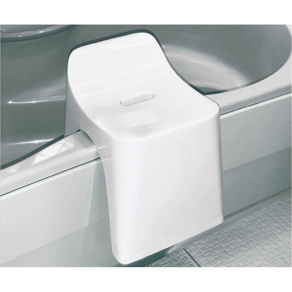 ヒューバス3点セット (ア)ホワイト バスタブに掛けて乾かせる。