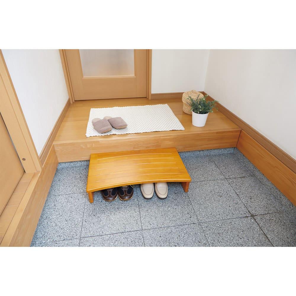 天然木玄関踏み台 (イ)幅60cm ※使用イメージ