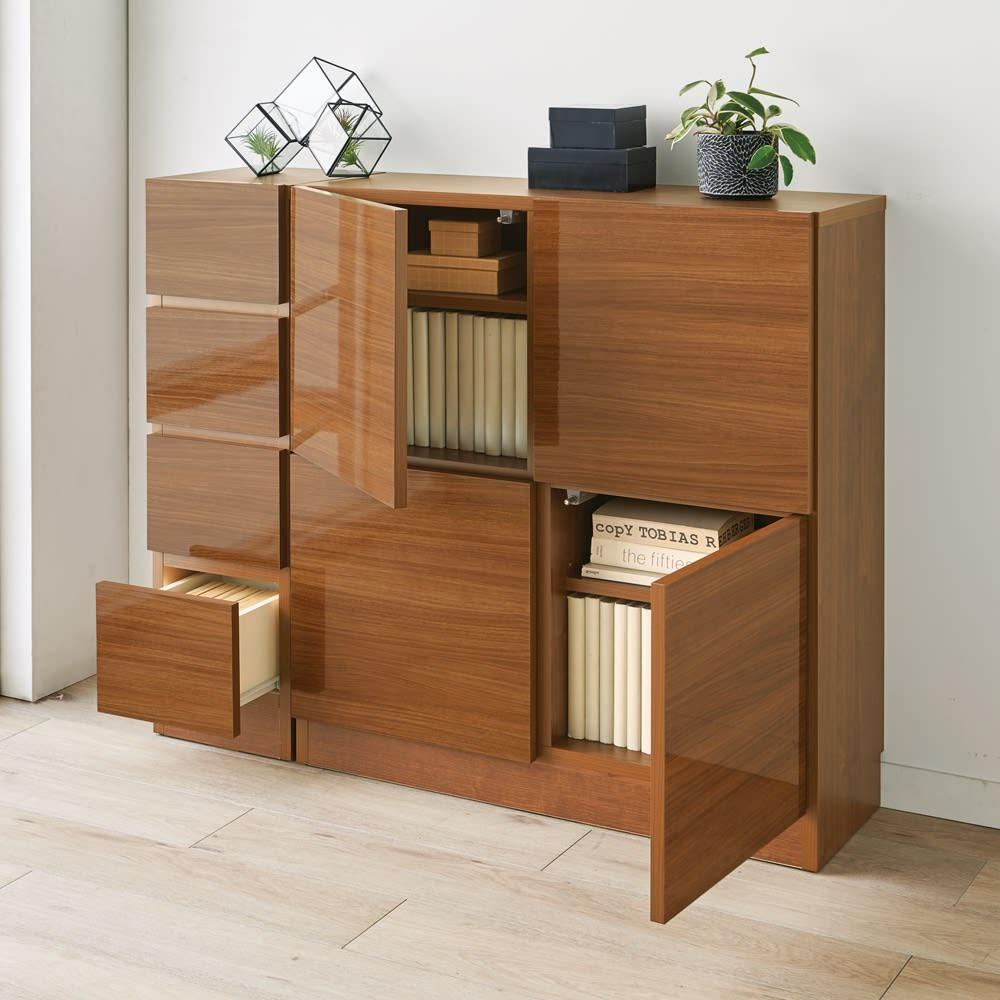 スクエア木目カウンター下収納  2列4マス 幅79cm奥行34cm 整ったデザインの扉で、本や食器、食品ストックなどを隠すことができます。 ※お届けは2列4マスタイプです。