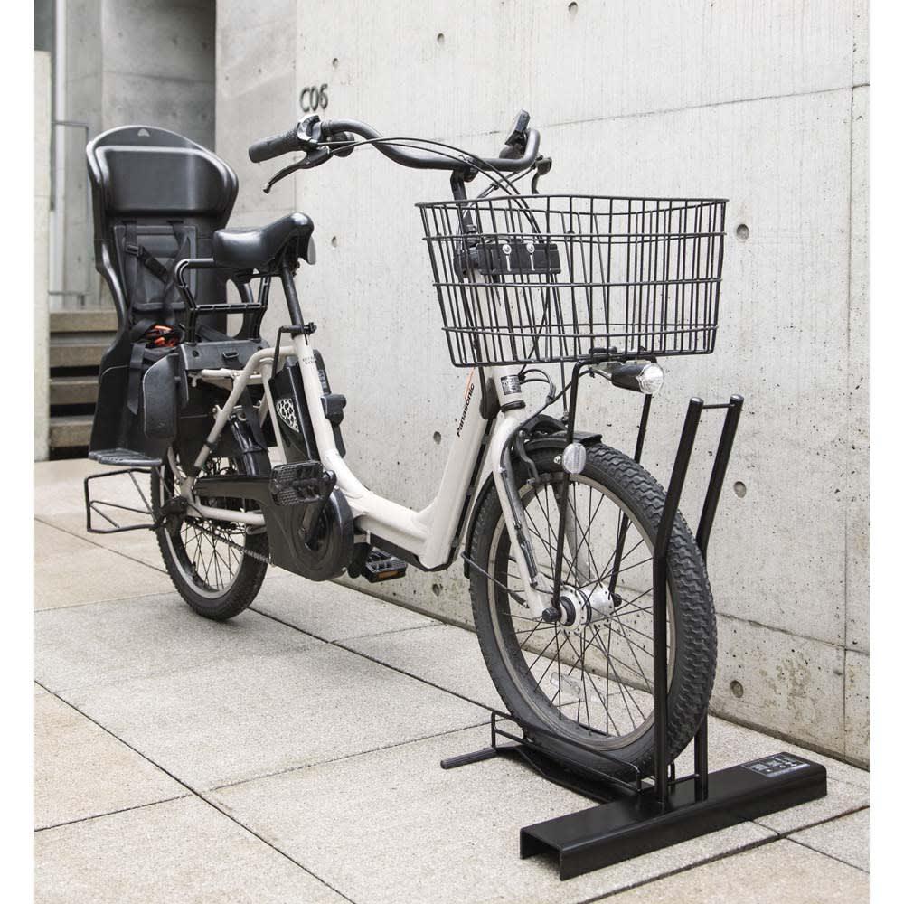 スロープ付き電動自転車スタンド 1台用 ブラック 自転車スタンド・ガレージ