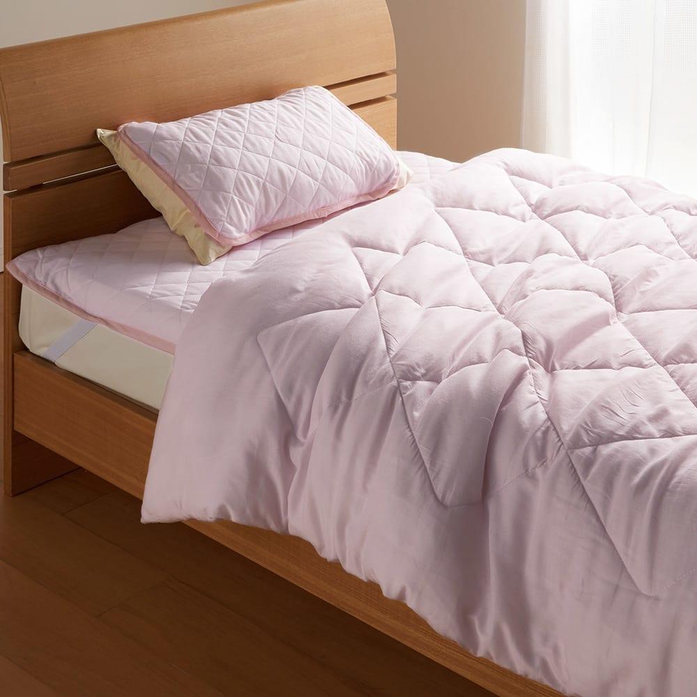 テンセルTM &ガーゼ寝具シリーズ お得な掛け敷きセット(コンフォーター+敷きパッド+ピローパッド) (ウ)ロゼラベンダー:コンフォーターと敷きパッド、ピローパッドの3点セットです。