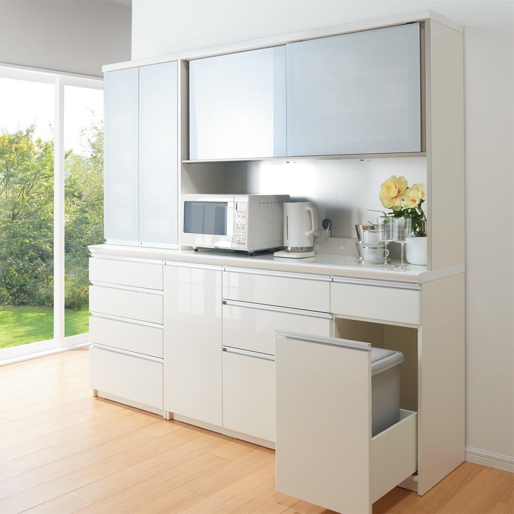 サイズが豊富な高機能シリーズ 食器棚引き出し 幅60奥行45高さ187cm/パモウナ JZ-S600K コーディネート例