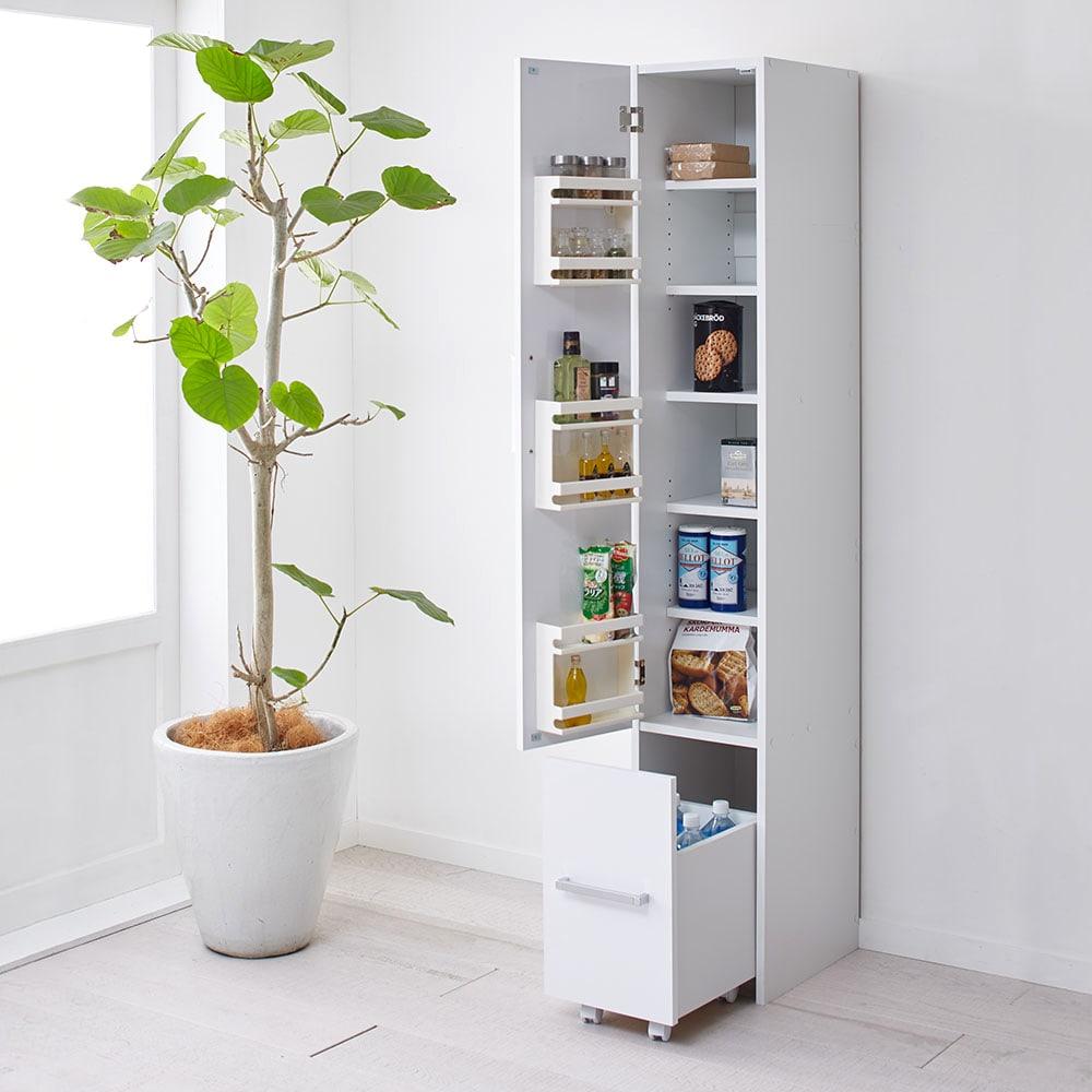 引き出して使える頑丈ワゴン付き キッチンストッカー 幅30cm 扉は左右どちら開きにでも設定可能です。