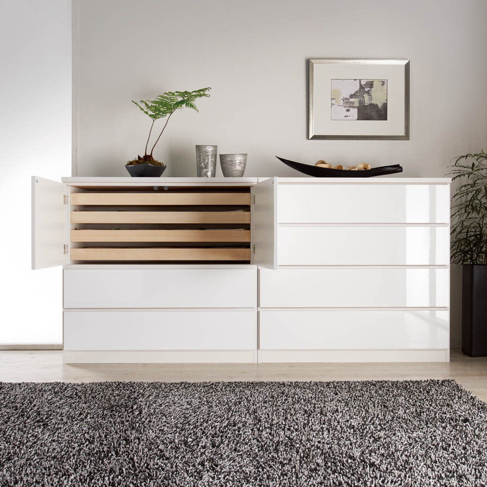 スタイリッシュな着物専用クローゼット 上盆収納&下引き出し 洋室にも美しく馴染むデザイン性。
