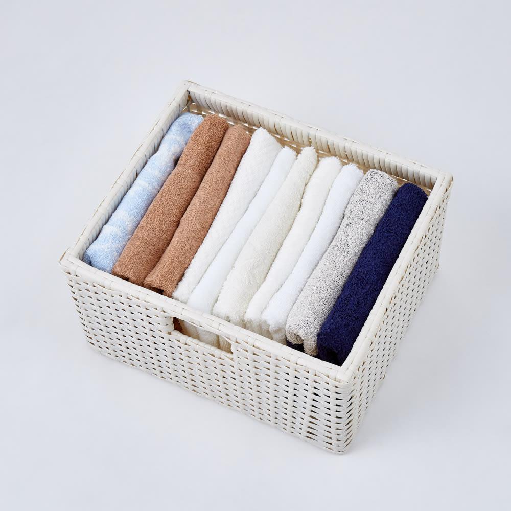 ラタン風ランドリーチェスト ワイド3段(幅74・奥行34.5・高さ80cm) 樹脂素材なので、繊維にも優しい仕様です。