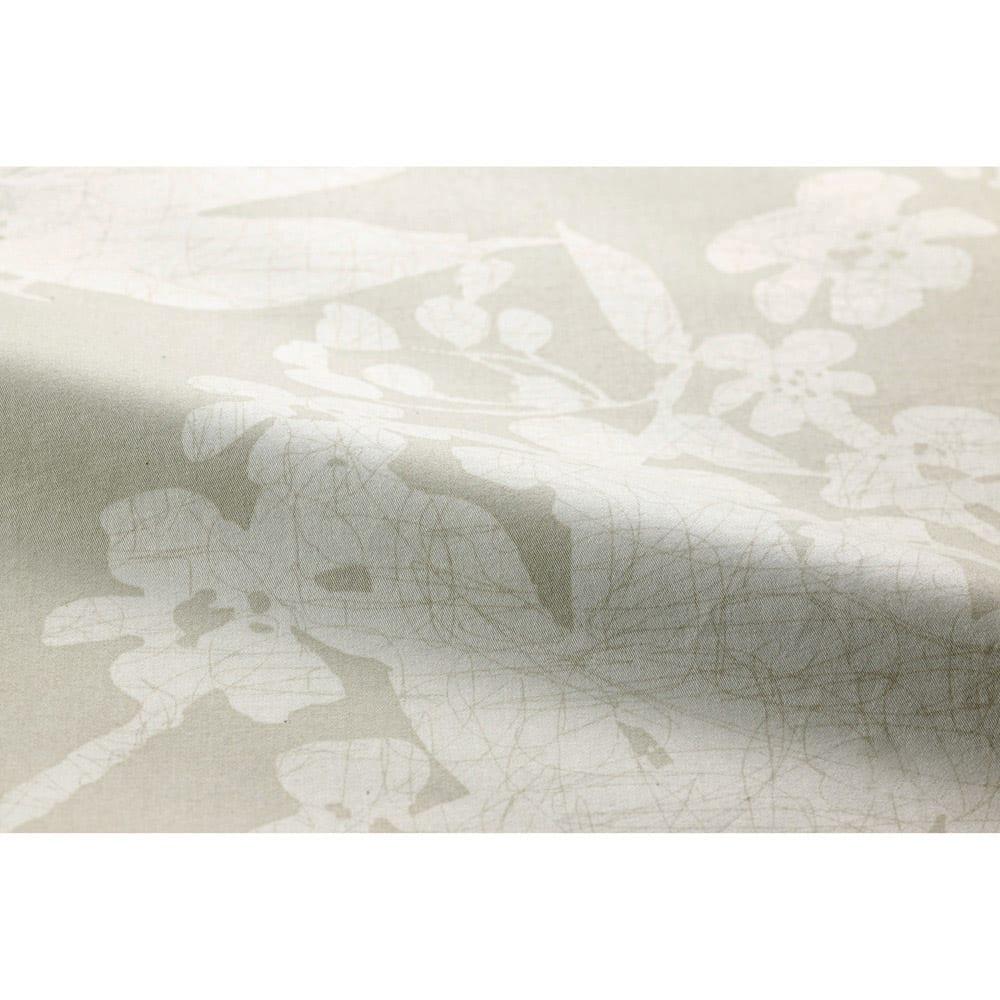 ベッド用ダブル8点(お得な完璧セット(布団+カバー)) サテン織りでなめらかな触り心地です