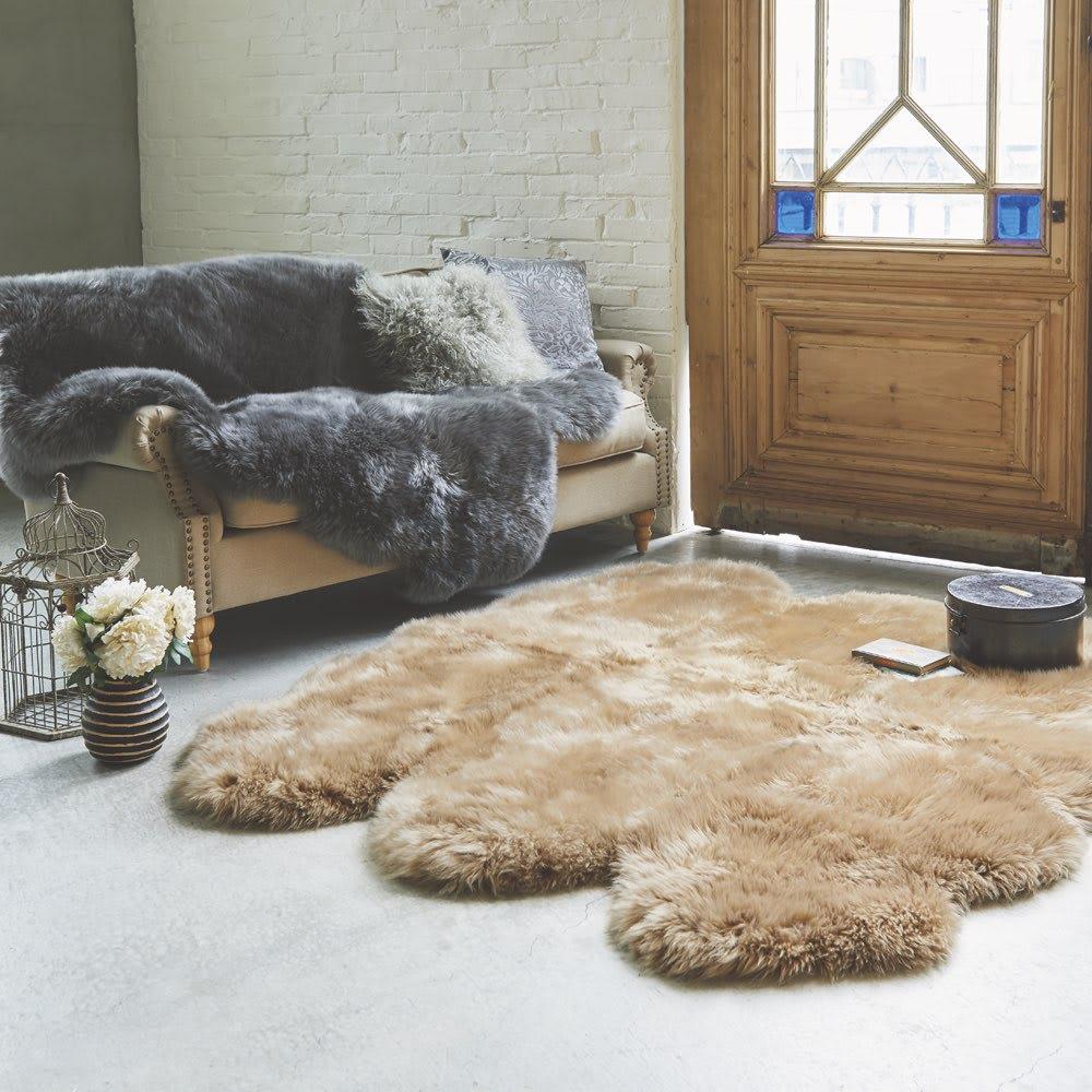 絨毯 2匹物(スプリングラム長毛ムートン)