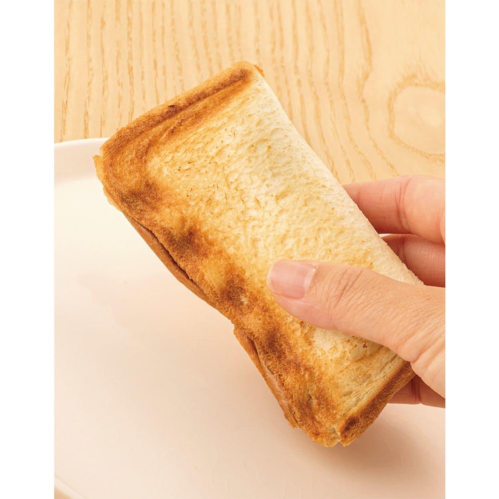 Toffy/トフィー 食パン1枚で焼ける電気式ホットサンドメーカー 片手でもてるサイズ!ナイス!