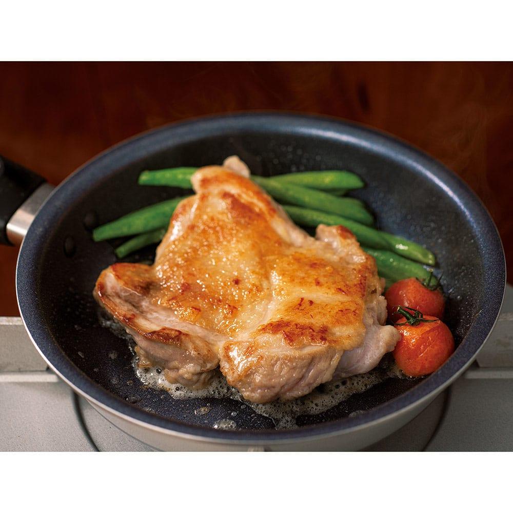 vitacraft/ビタクラフト 特別4点セット(深型24+フライパン20+無水フタ+蒸し板) 火の通りにくいチキンも中までしっかり美味しく焼き上げます。