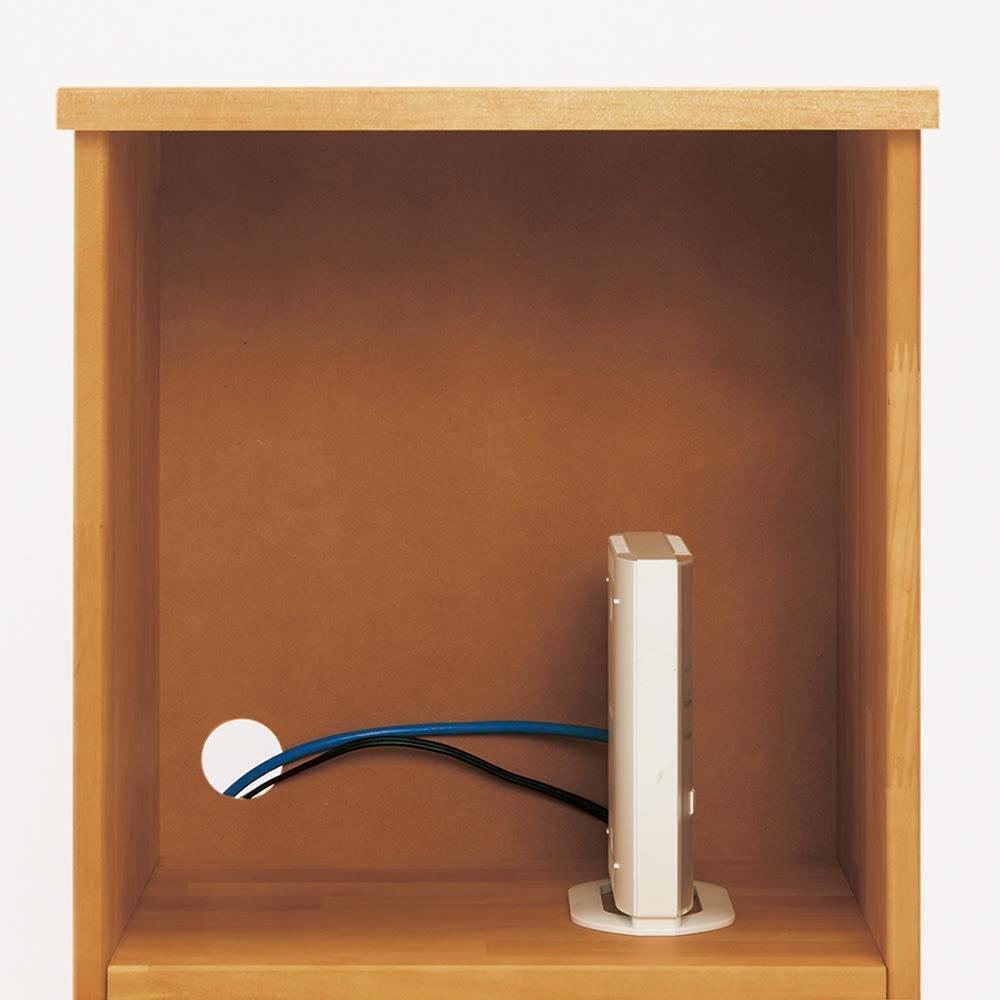 フェミニンチェスト カウンター下オープンタイプ 配線が逃がせるのでルーターやモデムの収納もできます。