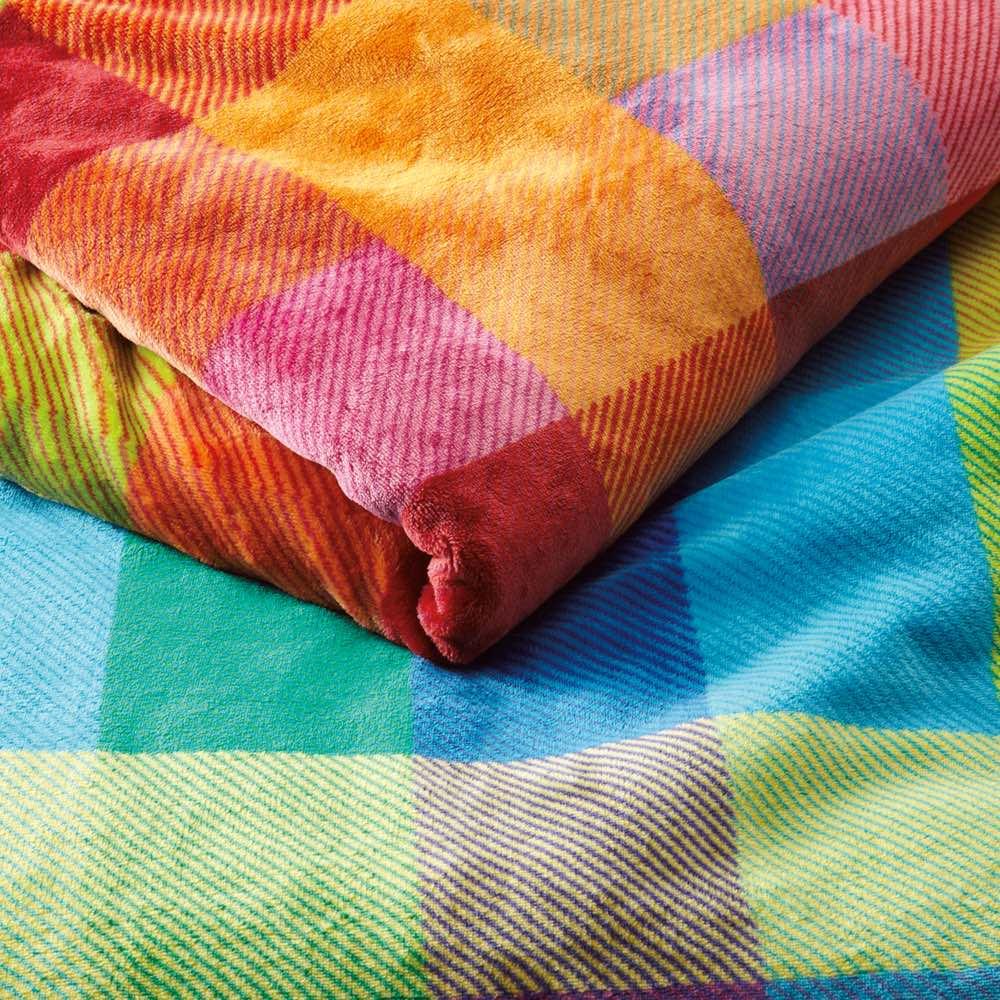 西川 チェック柄のあったかシリーズ ニューマイヤー毛布 お得な2枚組 上からピンク、ブルー