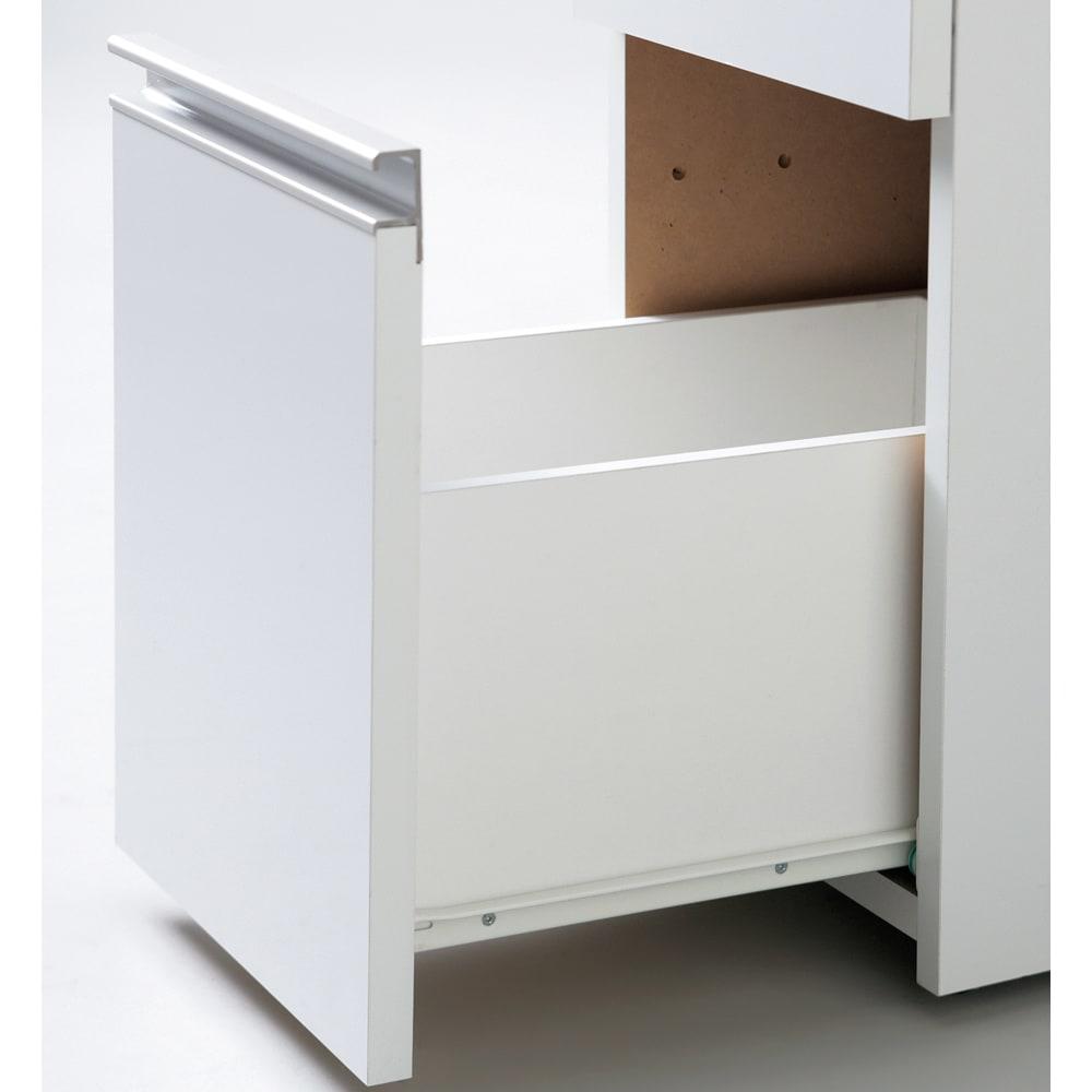 引き出し内部・背面化粧 キャスター付きホワイトチェスト 幅30cm 引き出しは全段スライドレール付きで出し入れがスムーズです。