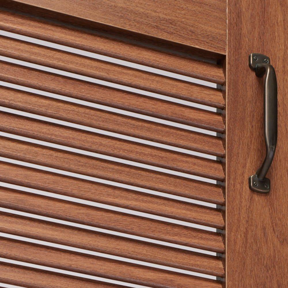 ルーバー扉トイレ収納庫 高さ60cm 通気性に優れ、湿気がこもりにくいルーバー扉。