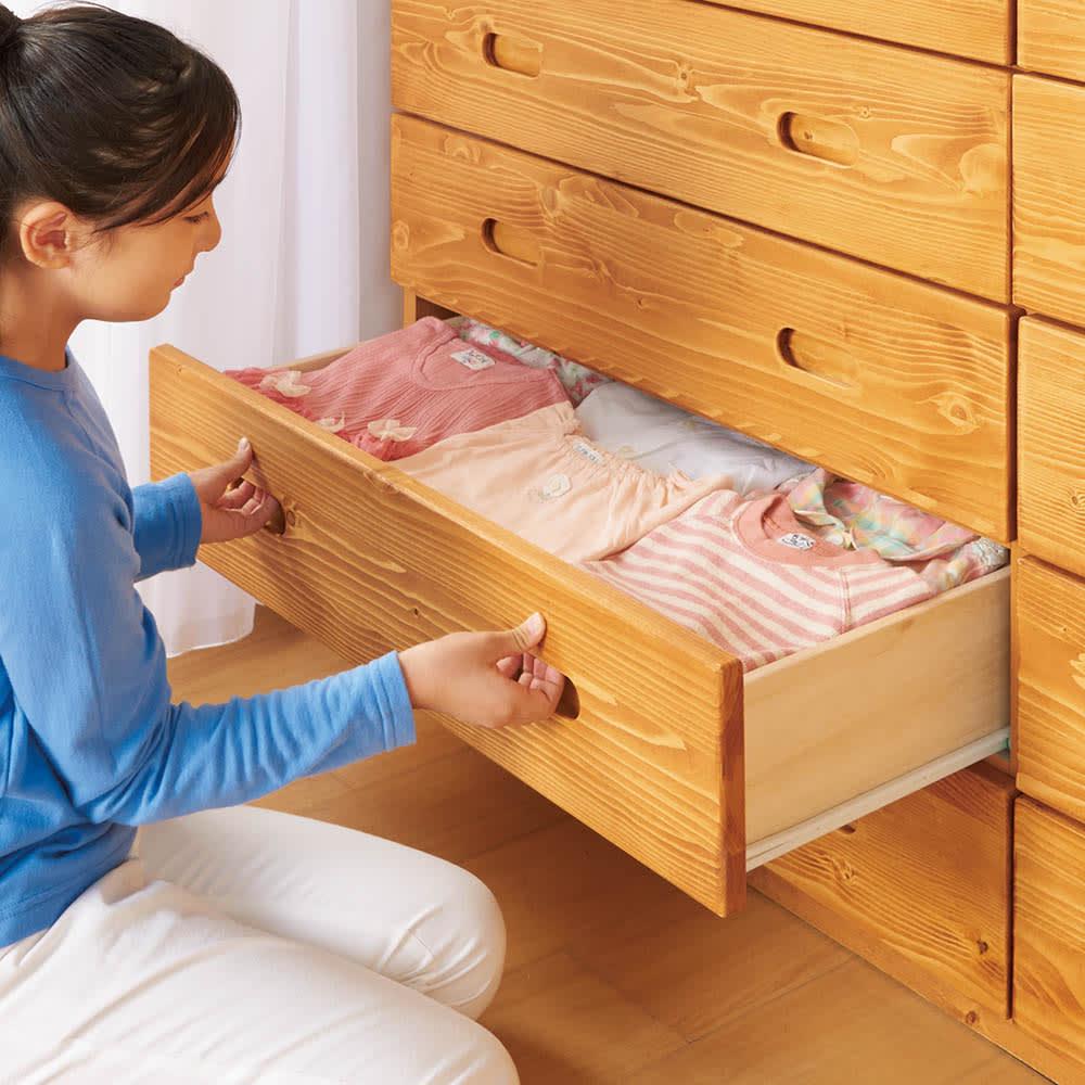 レール付き パイン天然木チェスト 5段 幅89.5高さ96.5cm お子さまも出し入れ簡単。引き出しは全段スライドレール付きで開閉らくらく。