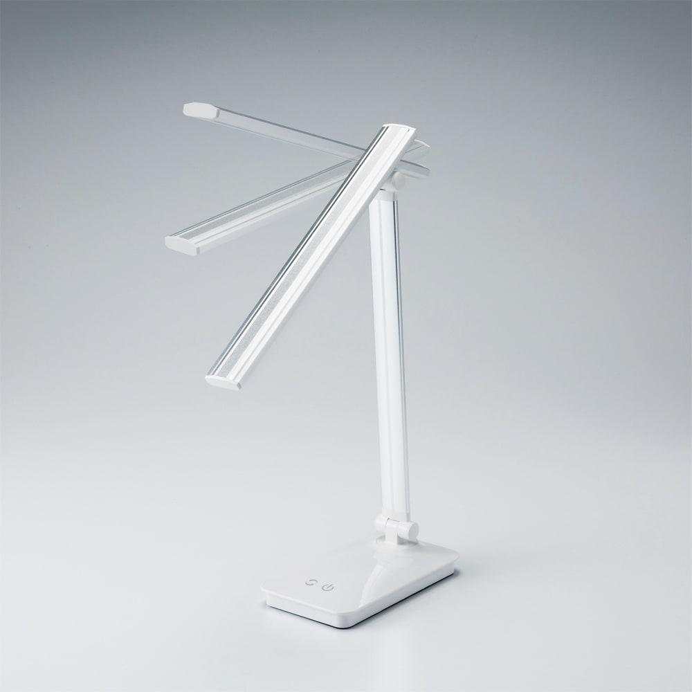 LEDデスクライト 可動域が広く、欲しいところに光が届く。
