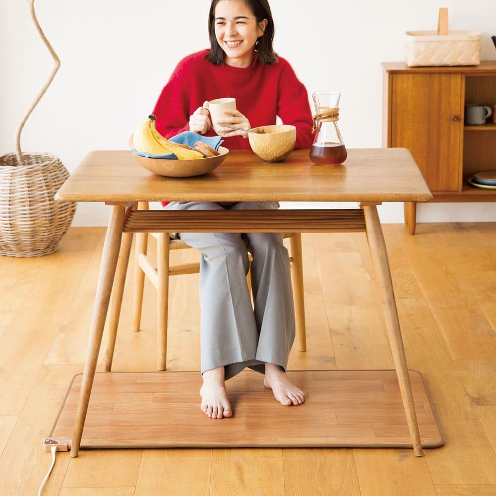ホットテーブルマット 幅60cm 木目柄 (ア)ナチュラルブラウン ※写真は約60×110cmタイプです。