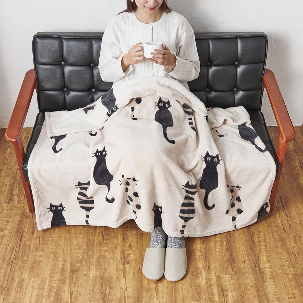 ATSUKO MATANO/アツコマタノ ニューマイヤー毛布・仲良し猫柄 ハーフケット 725810