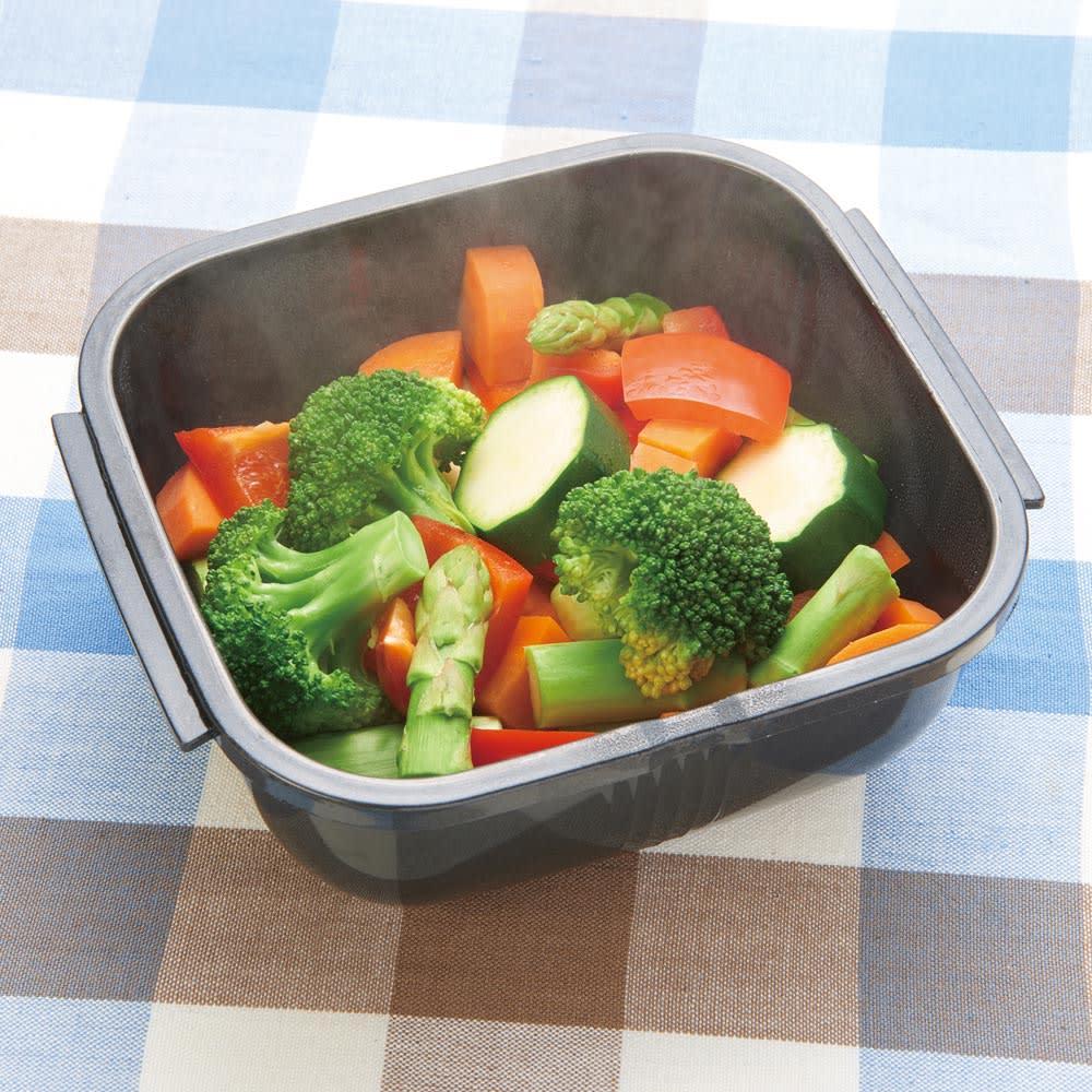 グルラボ プラス IWATANI イワタニ シンプルな野菜の蒸し煮 野菜の味が濃くて美味しい!オリーブオイルとお塩でどうぞ。