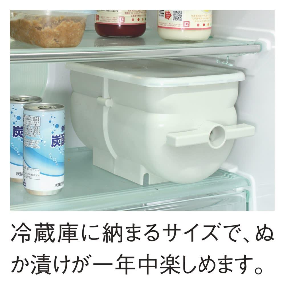 ぬか漬けを手軽に! ハンドルかき混ぜ式ぬか漬け容器 冷蔵庫にはいります