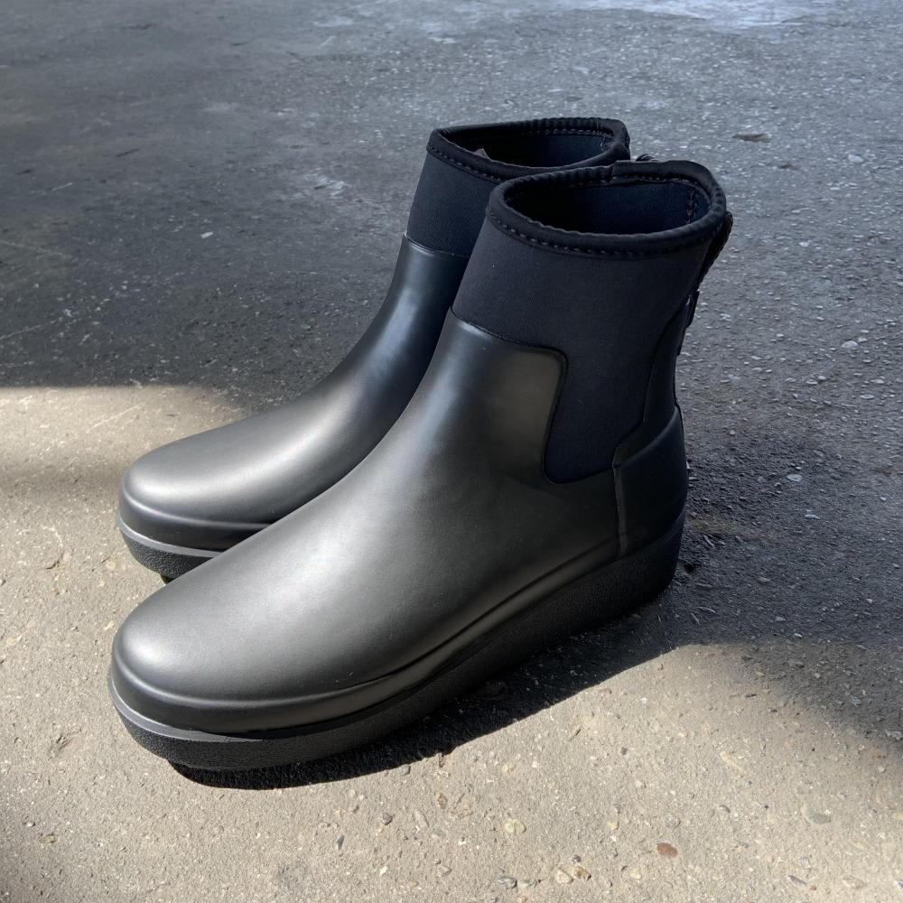 HUNTER/ハンター フラット底 ショートブーツ さり気なくスタイルアップしてくれる約4cmヒール。