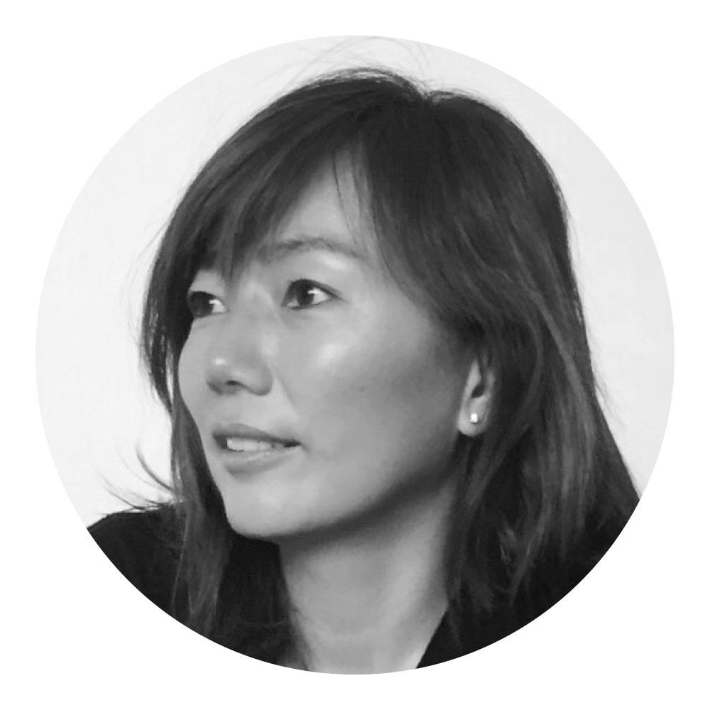 袖フリル ジョーゼットブラウス STYLIST 斉藤美恵さん