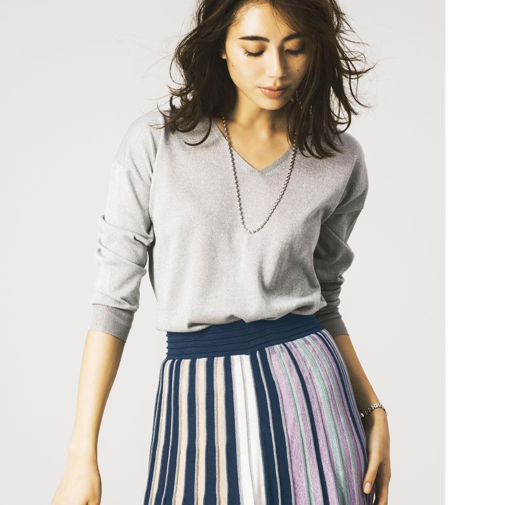 マルチカラー ニットスカート コーディネート例
