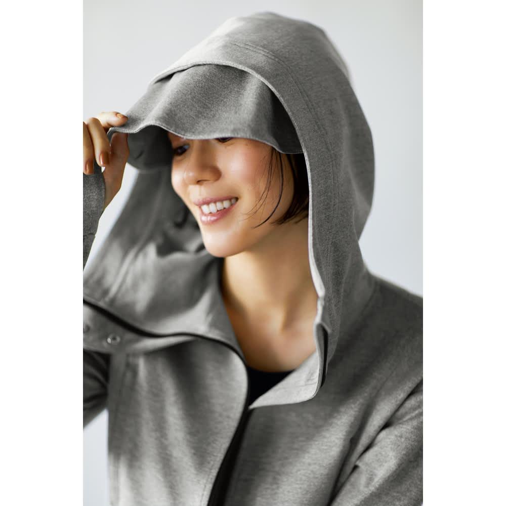 UVカット&寝顔が隠せる トラベルパーカ (ア)グレー / フードにアイマスク付き