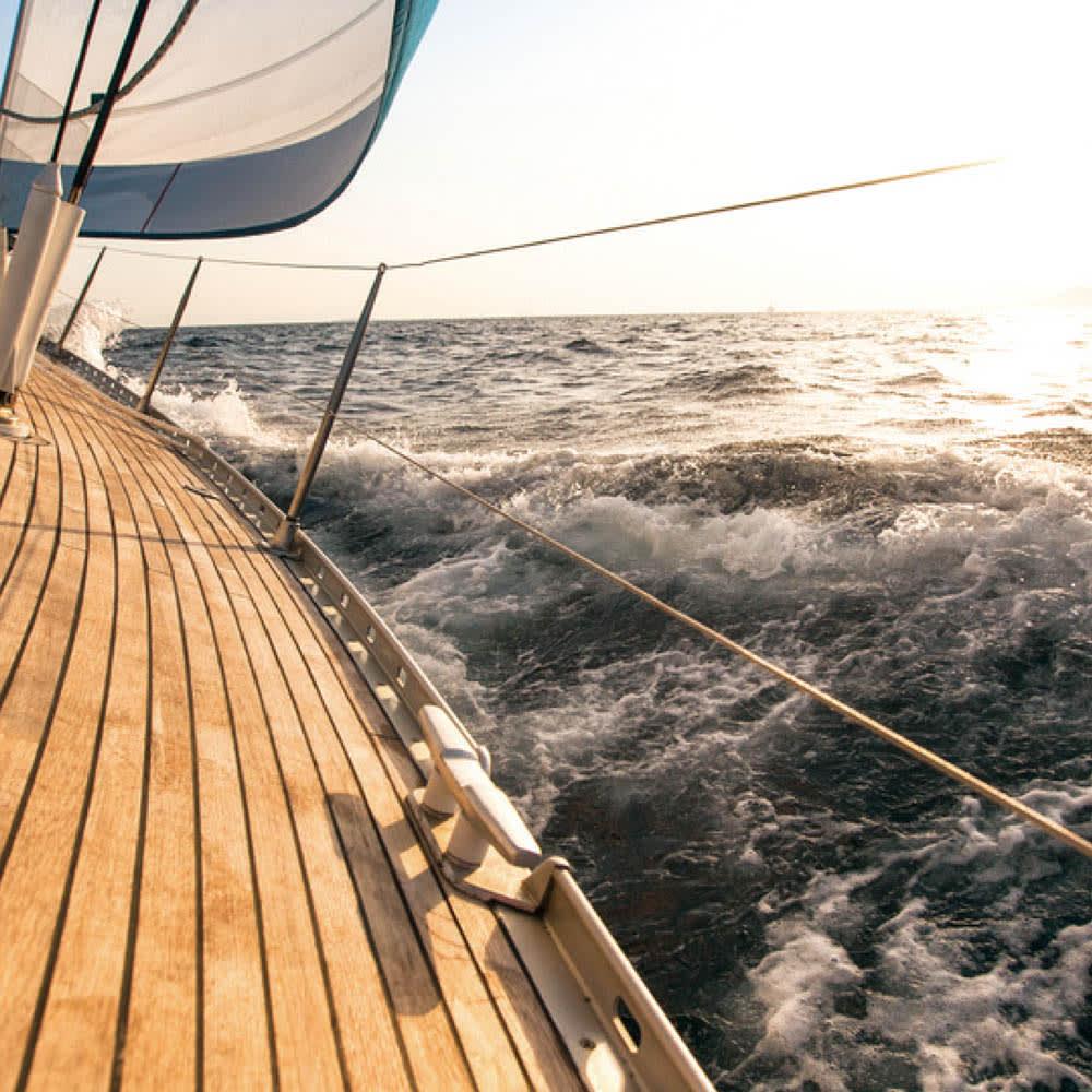チーク八角テーブル 船舶のデッキなどにも使われる信頼の耐久性。