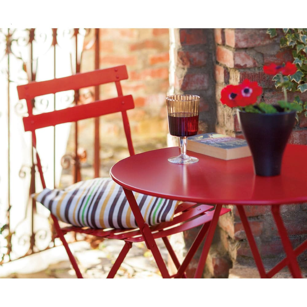 フランス製ビストロテーブル&チェア ビストロ3点セット 使用イメージ レッド
