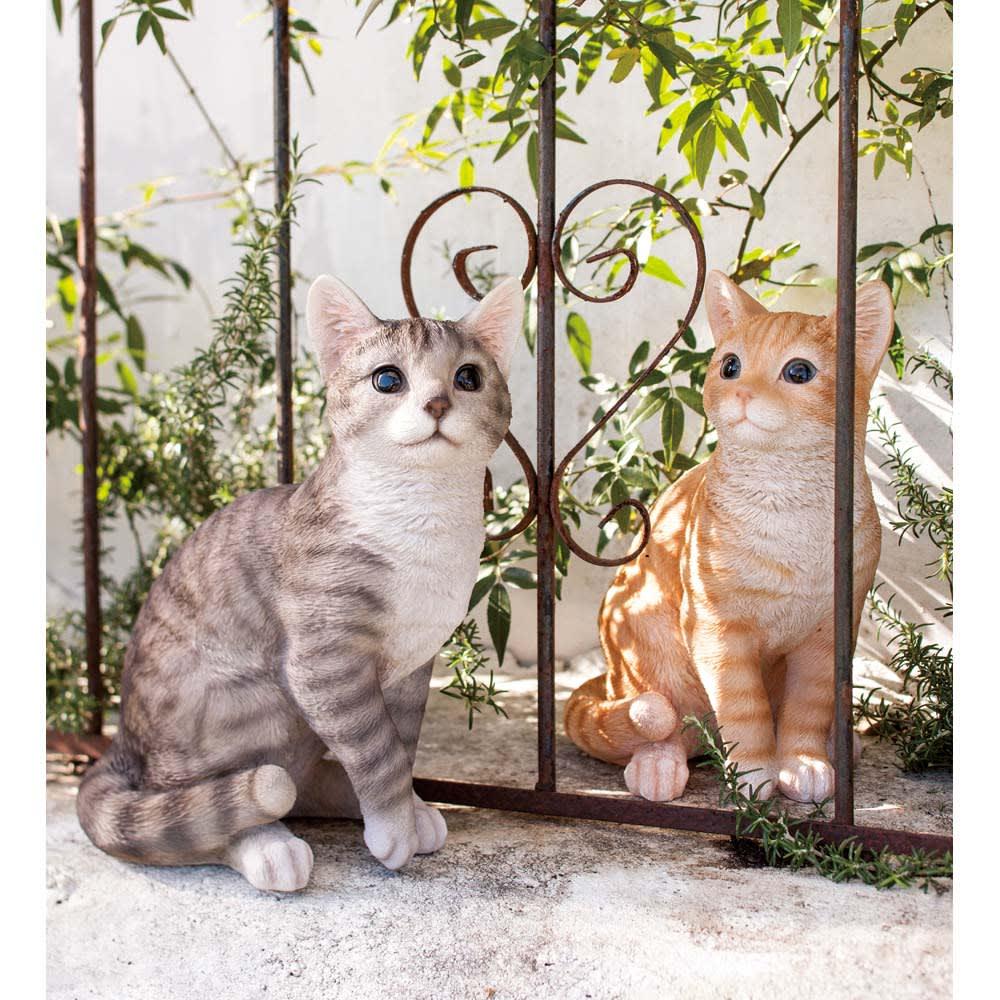 ネコのオーナメント 座りネコ ※画像右(ア)茶トラ