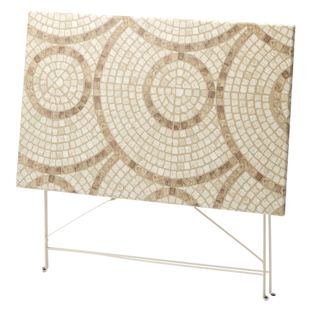 モザイク調折りたたみテーブル テーブル単品 折りたたんでスリムに収納できます。お届けはテーブル単品です。