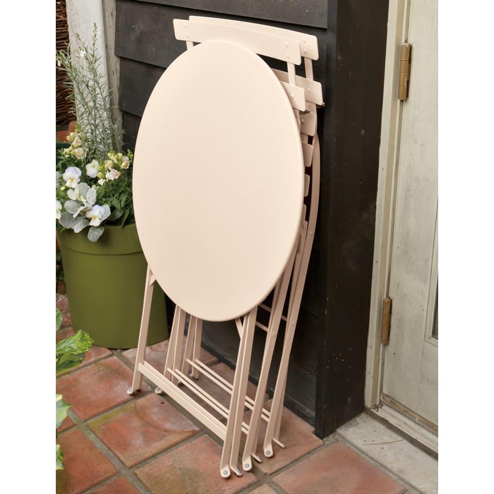 フランス製ビストロテーブル&チェア ビストロ3点セット(ビストロテーブル+ビストロチェア2脚組) 折りたたみ可能。