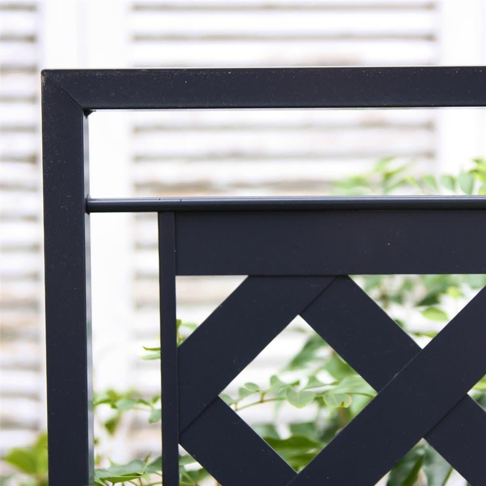 欧風トレリス付きプランターボックス〈ダークグレー〉 高さ161cm ヨーロッパの伝統色をイメージしたダークグレー。