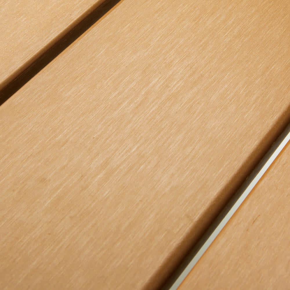 ファーストクラスファニチャー リクライニングチェア2脚組 木粉と樹脂を混ぜた、朽ちにくい人工木。