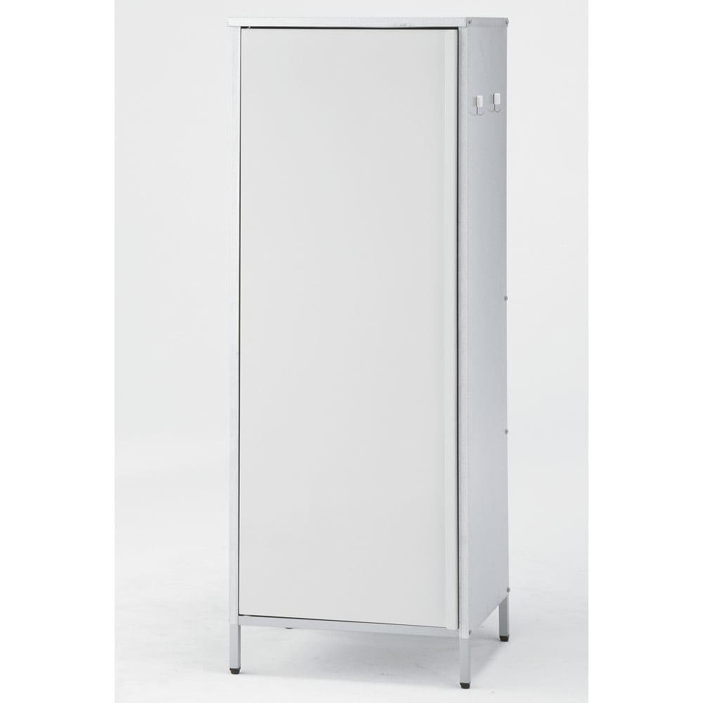 ガルバ製物置スリムタイプ 幅52.5高さ140cm G68302