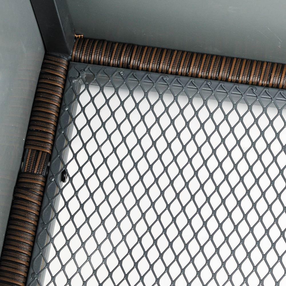 組立不要 ラタン調ゴミ保管庫 幅100cm 底面は水はけの良いメッシュ状。