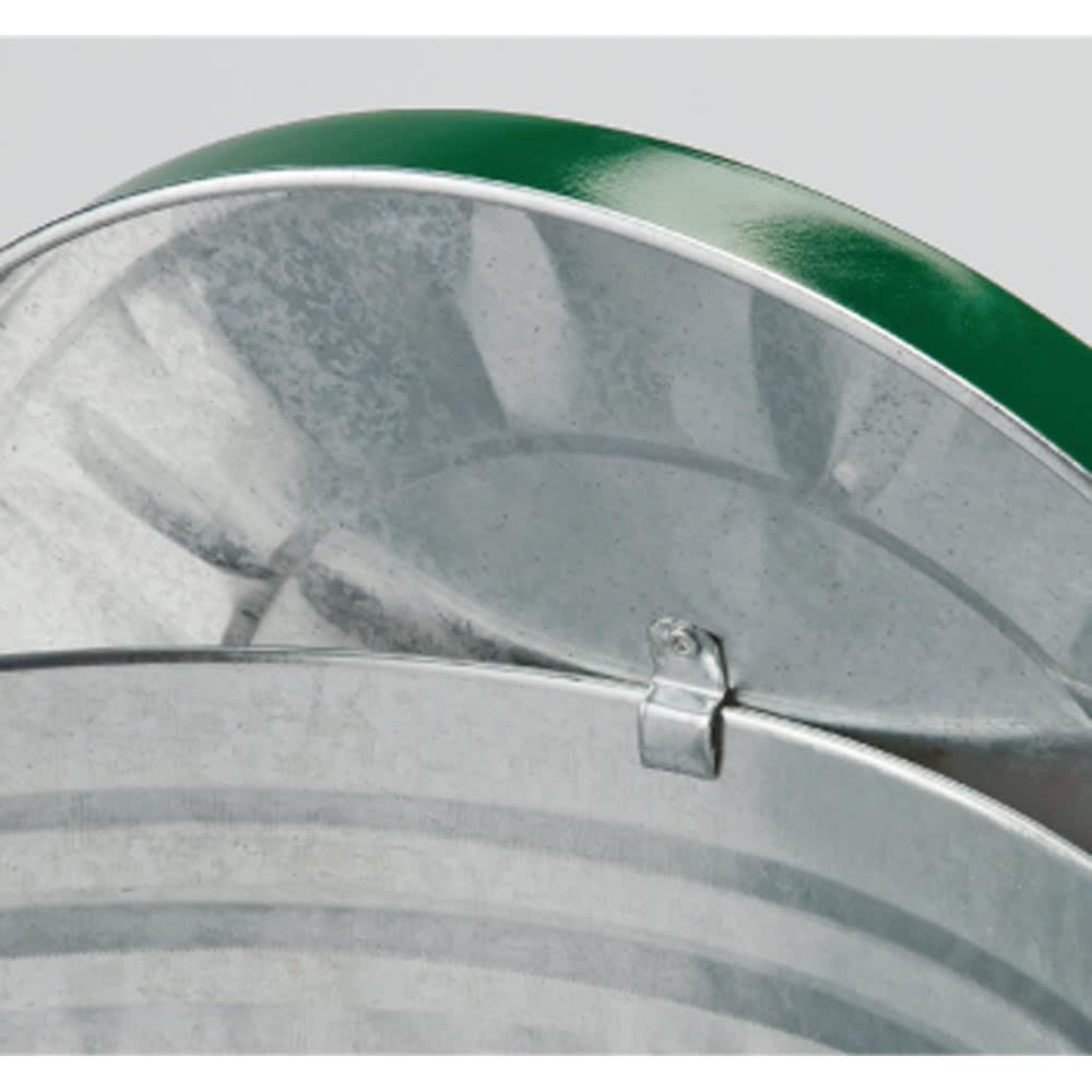 OBAKETSUカラーゴミ箱 フタは内側のフックでバケツに引っ掛けられます。