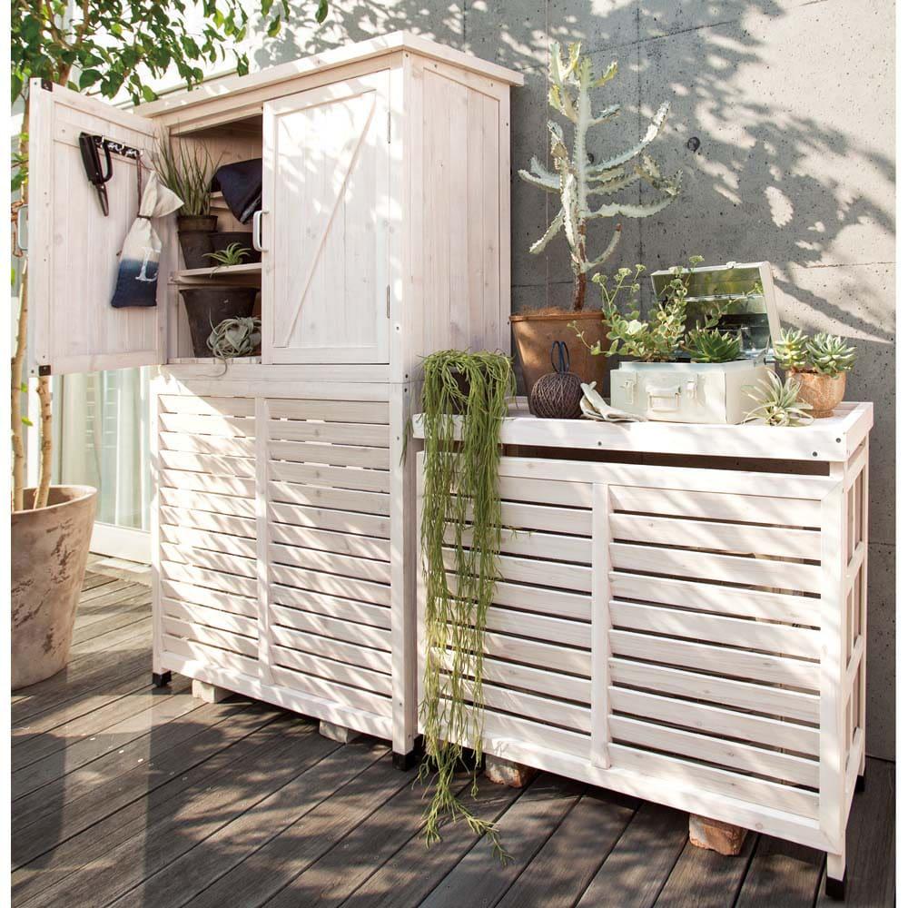 天然木逆ルーバー室外機カバー カバーのみ ※お届けは(写真右)室外機カバーのみのタイプとなります。※エアコンをご使用の際は、植物に直に風があたらないようにしてください。