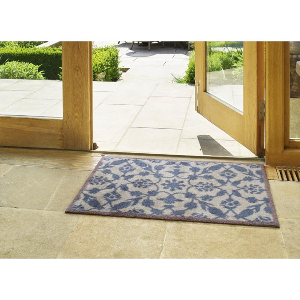 英国タートル社玄関マット 40×60cm コーディネート例 ※写真は60×85cmタイプです。