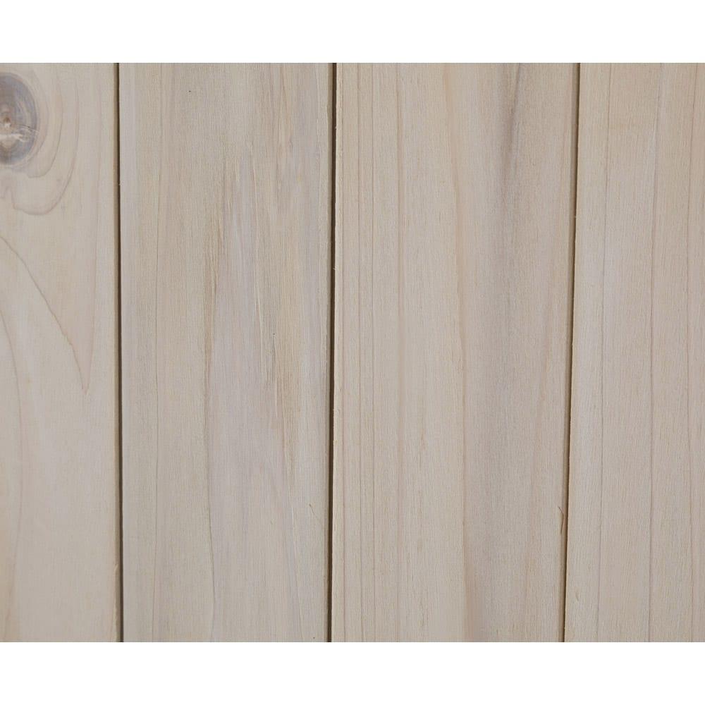 木製薄型収納庫 高さ92cm 木目がうっすらと見える、ホワイトウォッシュ仕上げです。