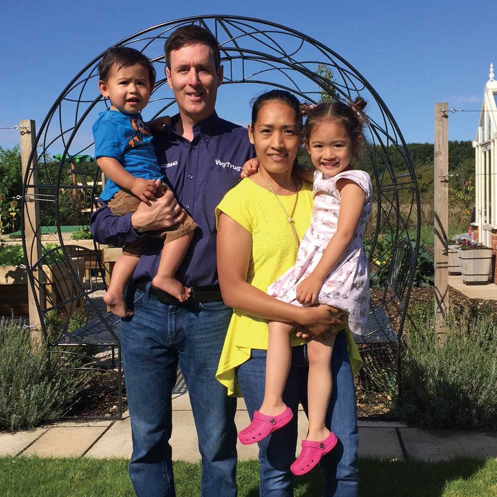 菜園プランター ベジトラグ バルコニーサイズ イギリスのスタッフ・ポールご家族