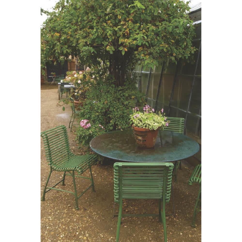 欧風収納ベンチ〈セージグリーン〉 幅90cm イギリスでは建物や家具でもセージグリーンがよく使われます。