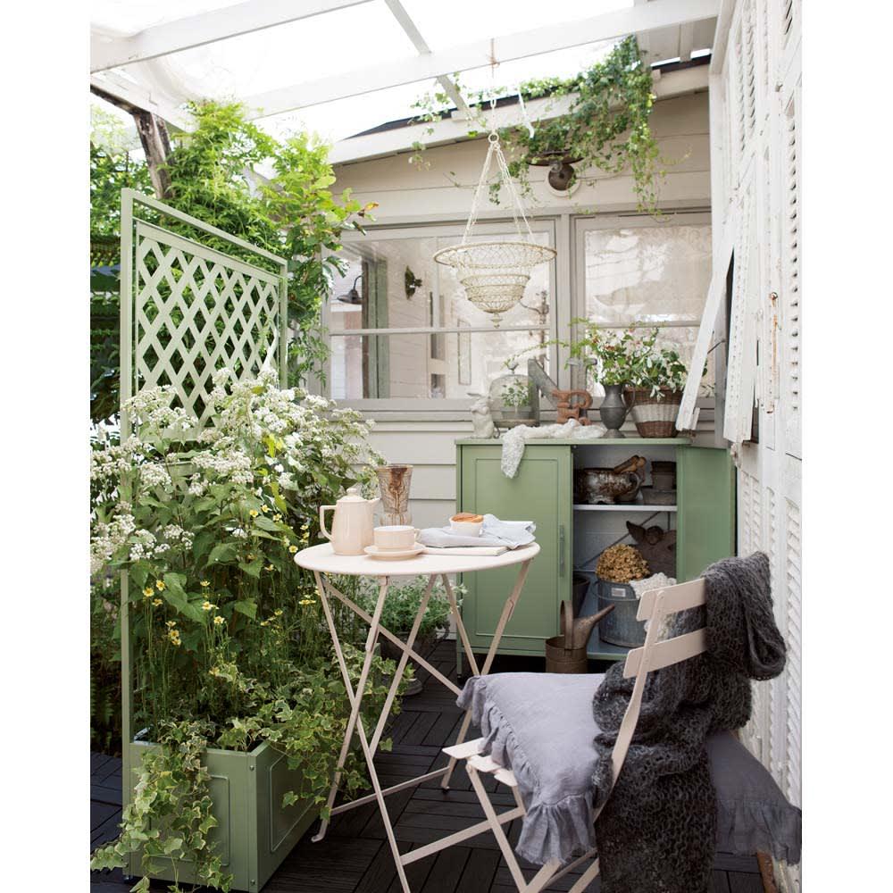 欧風収納庫〈セージグリーン〉 高さ168cm 同色でコーディネートするとまとまりがでてぐんとセンスアップ! ※写真は高さ95cmタイプです。