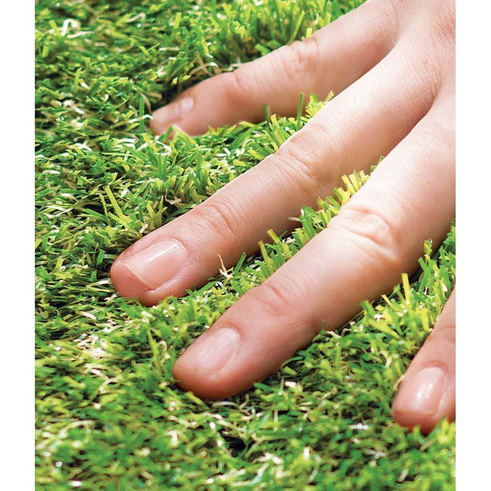 ジョイント式マット 人工芝 10枚組 リアルさを追求し、長さや色の異なる素材を複数使用しています。