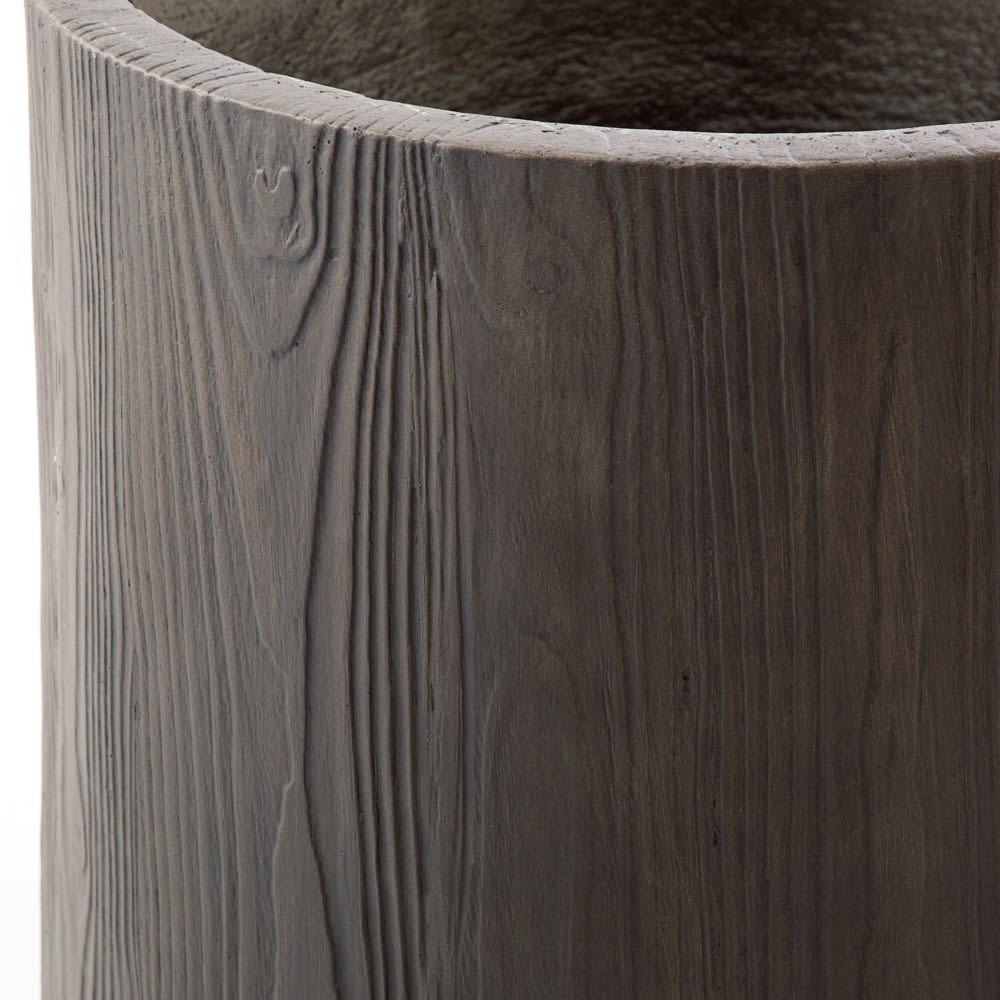 ウッド調プランター 長角M 耐久性の高いセメント素材に木目をリアルに再現。
