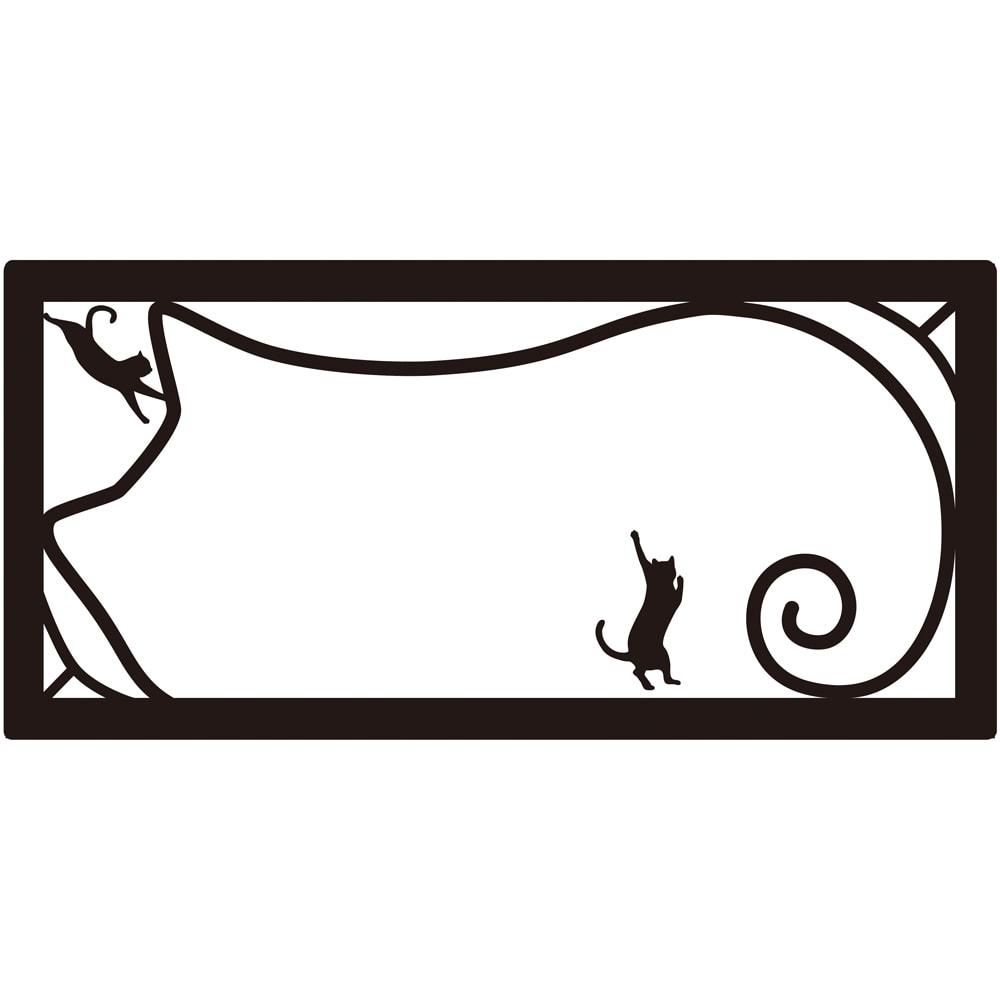 ネコの表札 一戸建て用フレームあり いたずら(ネームオーダー) 文字にいたずらをしている猫が!